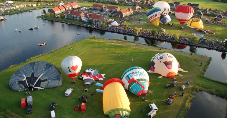 Grootste luchtballon van Europa doet Meerstad aan