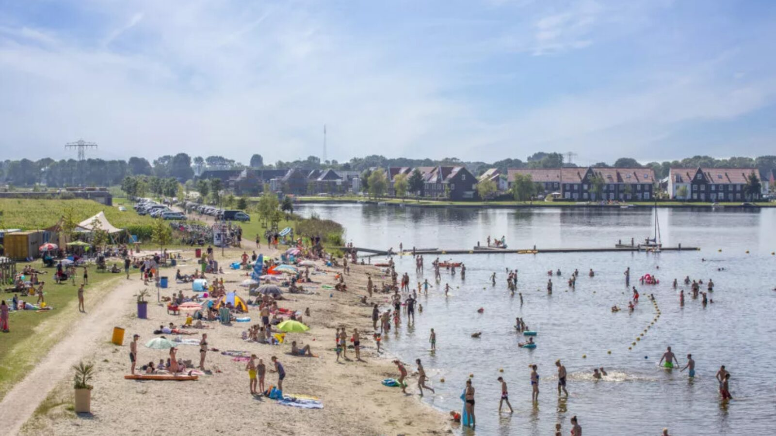 Strand Meeroevers gedeeltelijk toegankelijk van 12 t/m 16 juli